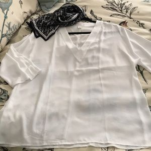LOFT New V neck 3/4 sleeve white blouse M/L